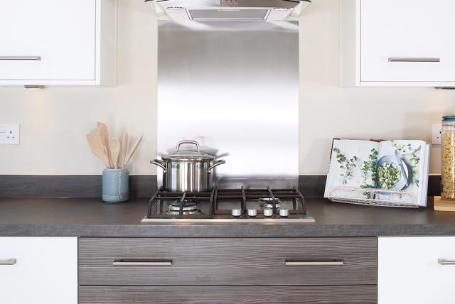 Ludlow-kitchen-cooker-38490