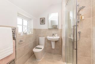 RegentsGrange-Marlow-Bathroom-43597