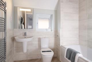 RegentsGrange-Marlow-Bathroom-46165