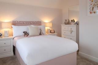 RegentsGrange-Marlow-Bedroom-46387