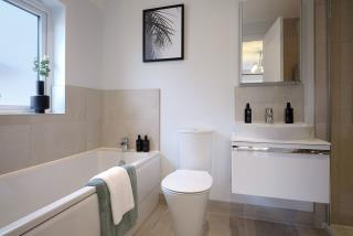 Warwick-Lifestyle-Bathroom-46748