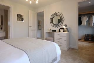 Warwick-Lifestyle-Bedroom-46749