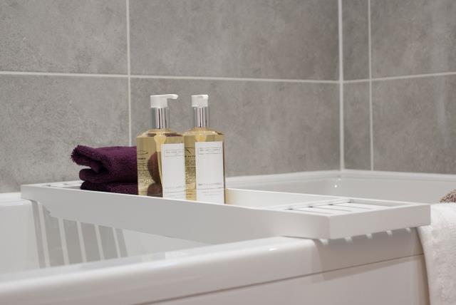 Template-Warwick-Bathroom-40897