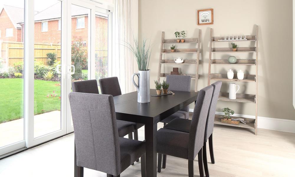 Template-Warwick-Dining-37301