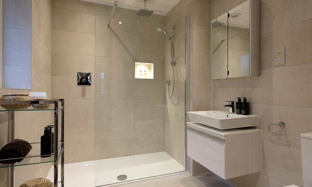 Template-Warwick-Shower-41555