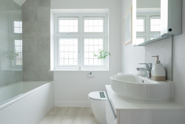 Warwick-bath-44087