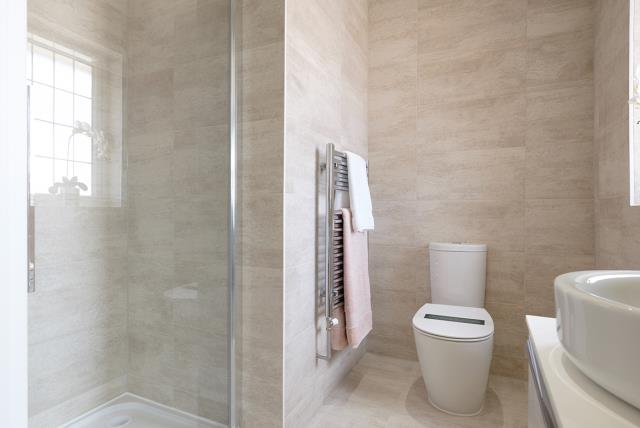 Oxford - bathroom - 44127