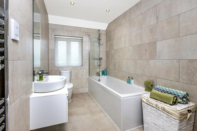 The Shaftesbury - Bathroom
