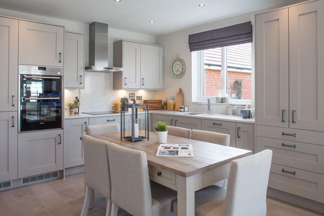 Shaftesbury-kitchen dining-42324