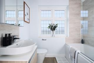 Warwick-Bathroom-46878