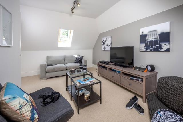 The Highate 5 - Family Room
