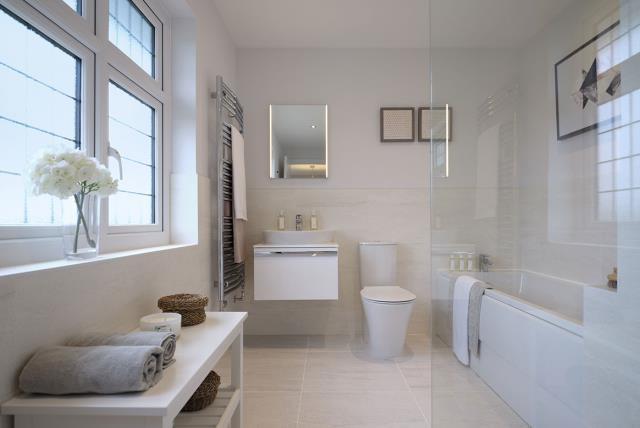 Leamington-lifestyle-bathroom-46779