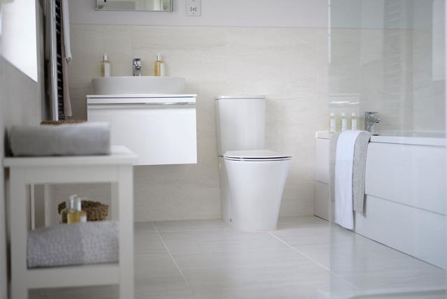 Leamington-lifestyle-bathroom-46782