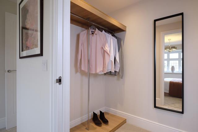 Leamington-lifestyle-bedroom-dressing-room-46778