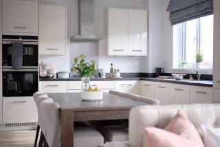Leamington-lifestyle-kitchen-dining-46762