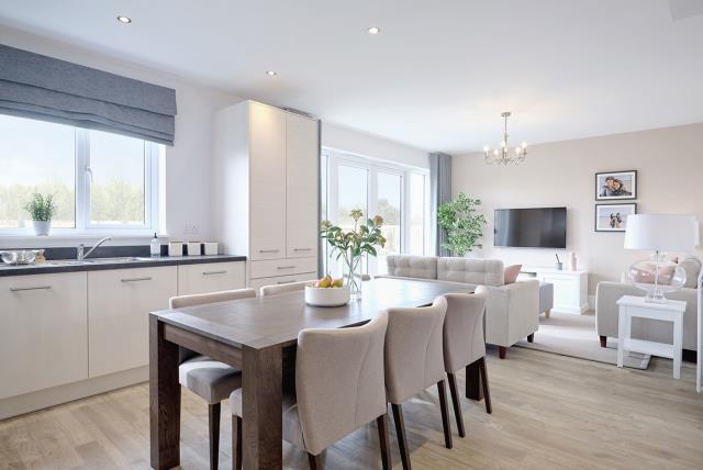 Leamington-lifestyle-kitchen-dining-family-46784